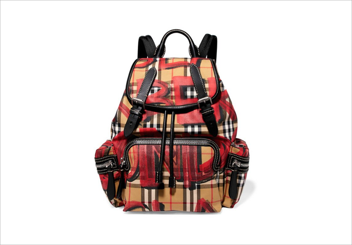 a6b2f25f4 مجلة زهرة السوسن - 25 حقيبة لكل شابّة على وشك أن تعود إلى المدرسة أو ...